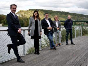 Les élus devant la Seine