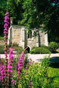 Vue sur l'abbaye Notre-Dame de Fontaine-Guérard à Radepont